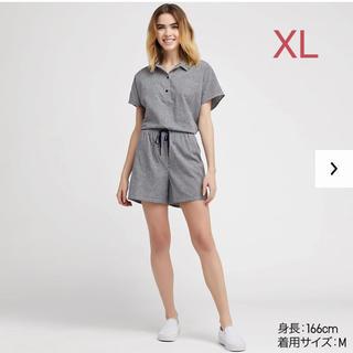 ユニクロ(UNIQLO)のユニクロ コットンリネンパジャマ(チェック・半袖)XLサイズ/ネイビー 新品!(パジャマ)