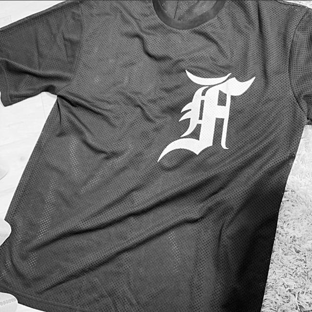FEAR OF GOD(フィアオブゴッド)のFOG メッシュ 5th ベースボールT  メンズのトップス(Tシャツ/カットソー(半袖/袖なし))の商品写真