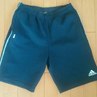 アディダス(adidas)の【中古・送料込】adidas ハーフパンツ 濃紺 サイズ150(パンツ/スパッツ)