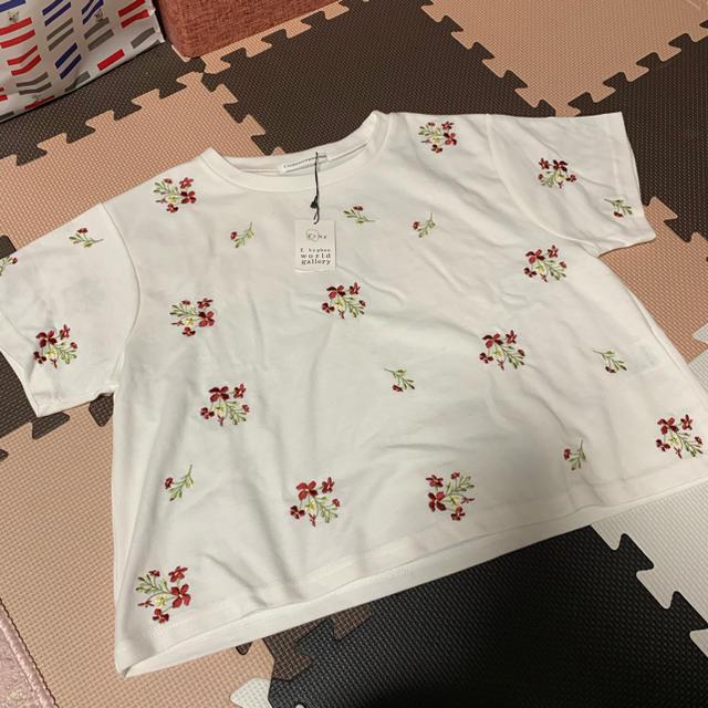 E hyphen world gallery(イーハイフンワールドギャラリー)のイーハイ 花柄Tシャツ レディースのトップス(Tシャツ(半袖/袖なし))の商品写真
