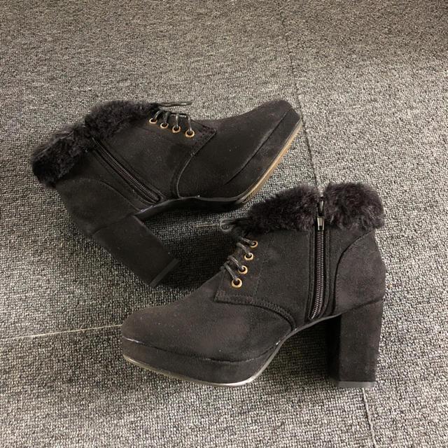 one*way(ワンウェイ)のショートブーツ レディースの靴/シューズ(ブーツ)の商品写真