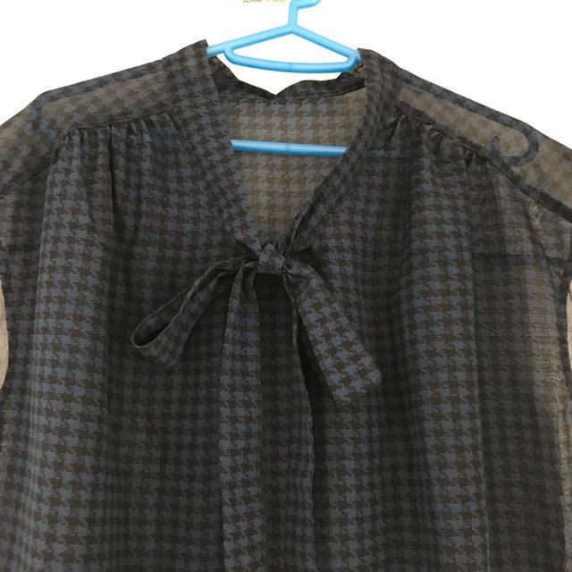 GU(ジーユー)のチドリボウタイブラウス GU レディースのトップス(シャツ/ブラウス(半袖/袖なし))の商品写真