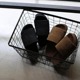 ルームサンマルロクコンテンポラリー(room306 CONTEMPORARY)のtrunc 88  Velor corduroy Sandals(サンダル)