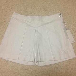 ジーユー(GU)の白のショートパンツ(ショートパンツ)