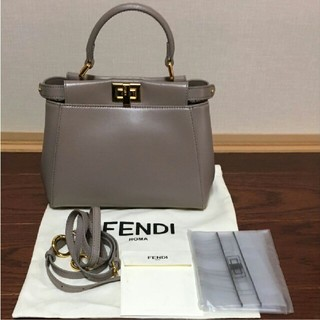 FENDI - フェンディ FENDI ピーカブー