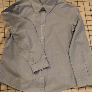 アーバンリサーチ(URBAN RESEARCH)の長袖シャツ  白とブルーのストライプ 袖はロールアップ可(シャツ/ブラウス(長袖/七分))