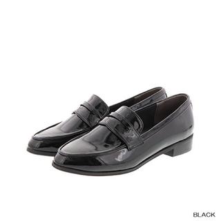 ランダ(RANDA)の【美品】ランダ 今期 エナメルローファー  ブラック(ローファー/革靴)