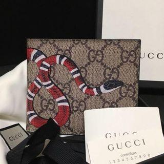 Gucci - グッチ GGスプリーム スネーク 二つ折り 財布