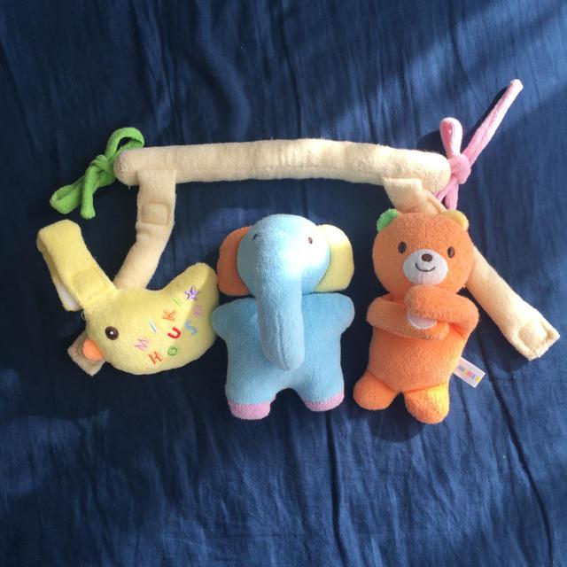 mikihouse(ミキハウス)のミキハウスのベビーカー用おもちゃ キッズ/ベビー/マタニティの外出/移動用品(ベビーカー用アクセサリー)の商品写真