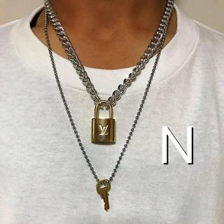ルイヴィトン(LOUIS VUITTON)のLOUISVUITTON パドロック カデナ 南京錠 鍵有り 320(ネックレス)