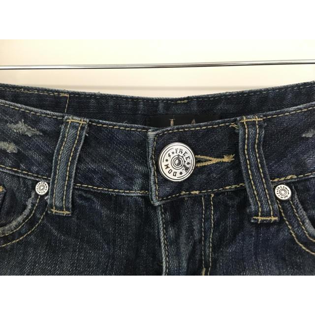 ローライズ ダメージ加工 デニム ミニ ショートパンツ レディースのパンツ(ショートパンツ)の商品写真