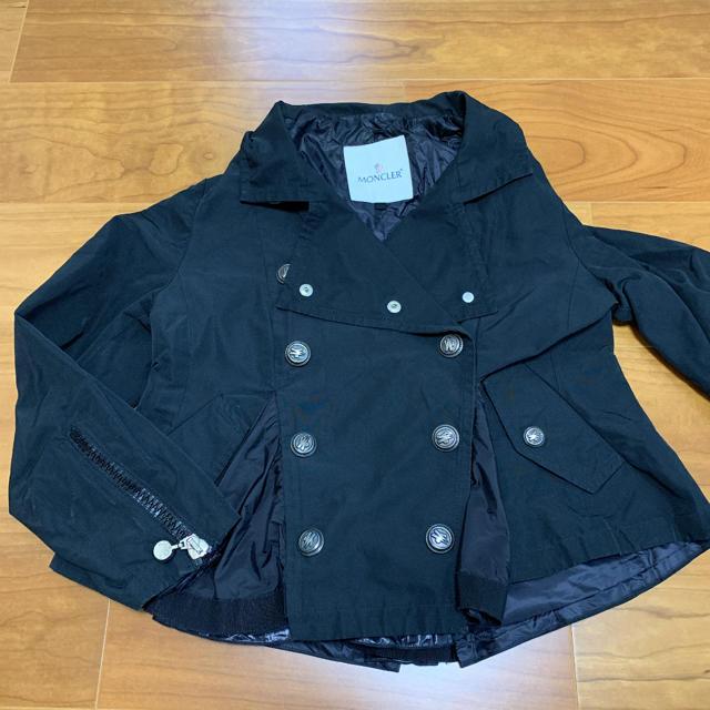 MONCLER(モンクレール)のモンクレール トレンチコート キッズ/ベビー/マタニティのキッズ服 女の子用(90cm~)(ジャケット/上着)の商品写真