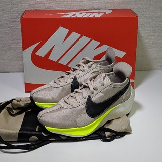 ナイキ(NIKE)の新品 28.5 Nike ムーンレーサー ベージュ ブラック moonracer(スニーカー)