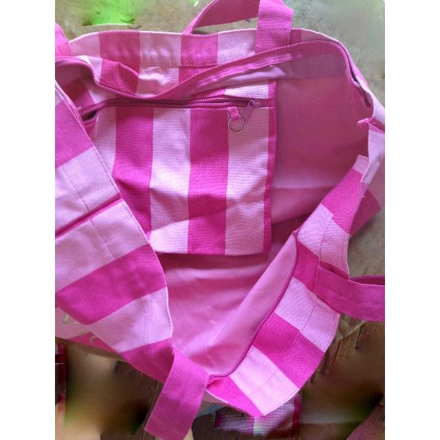 Victoria's Secret(ヴィクトリアズシークレット)のヴィクトリアシークレット☆激レア★新品未使用☆大きなバック☆かわいい レディースのバッグ(ボストンバッグ)の商品写真