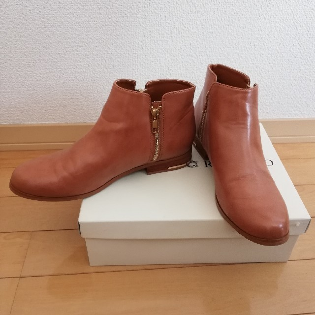 URBAN RESEARCH ROSSO(アーバンリサーチロッソ)の【ピース2号様専用】ショートブーツ レディースの靴/シューズ(ブーツ)の商品写真