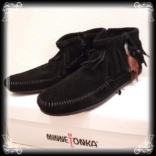 ミネトンカ(Minnetonka)の新品 入手困難 25 ミネトンカ ショート ブーツ MINNETONKA 黒 8(ブーツ)