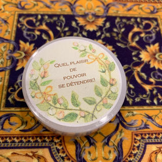フェリシモ(FELISSIMO)のフェリシモ 精油の香るうるおい時間 ダマスクローズ&ローズヒップのアロマワセリン(リップケア/リップクリーム)