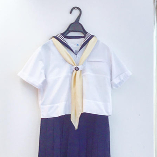 女子聖学院セーラー服(夏服)