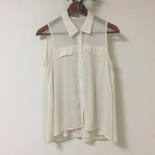 ジーユー(GU)のGU ノースリーブシャツ アイボリー S(シャツ/ブラウス(半袖/袖なし))