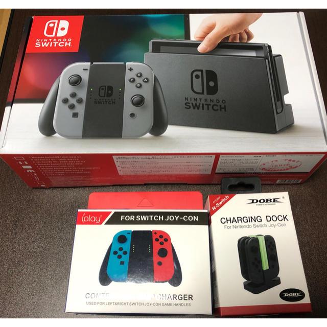 Nintendo Switch(ニンテンドースイッチ)のNintendo Switch本体+おまけ数点 エンタメ/ホビーのゲームソフト/ゲーム機本体(家庭用ゲーム機本体)の商品写真