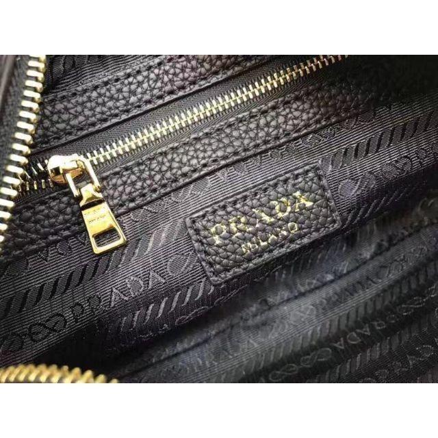 PRADA(プラダ)のPRADAショルダーバッグ レディースのバッグ(ショルダーバッグ)の商品写真