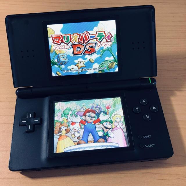 任天堂 DS ライト ブラック エンタメ/ホビーのゲームソフト/ゲーム機本体(携帯用ゲーム機本体)の商品写真