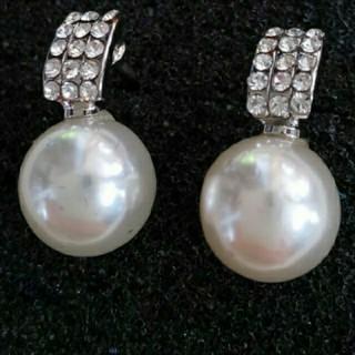 SWAROVSKI - f14❇️カスミ❇️ チタン製 真珠&キュービックジルコニア スタッド ピアス