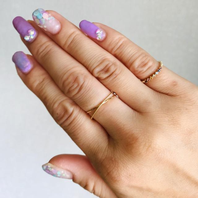 ete(エテ)のk10 ete  お守りアミュレット  レインボー マルチカラーリング レディースのアクセサリー(リング(指輪))の商品写真