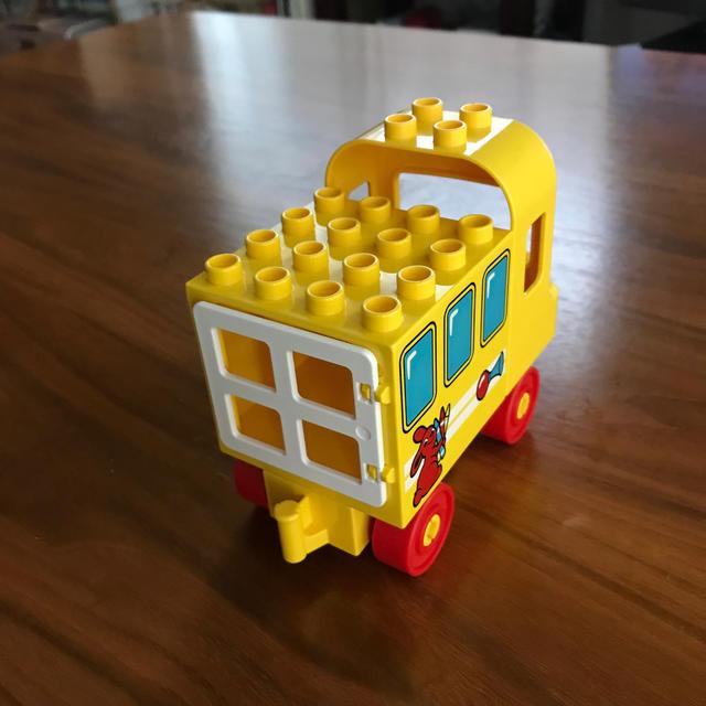 レゴAA☆デュプロ ABCバス + 花 4個 キッズ/ベビー/マタニティのおもちゃ(知育玩具)の商品写真