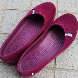 クロックス(crocs)のフラットシューズ(その他)
