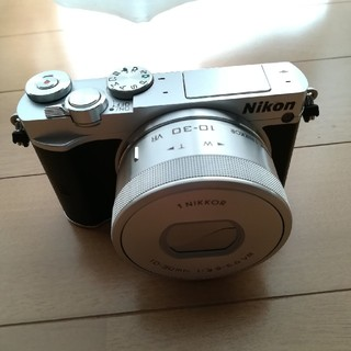 Nikon - ミラーレス一眼カメラ  Nikon 1 J5