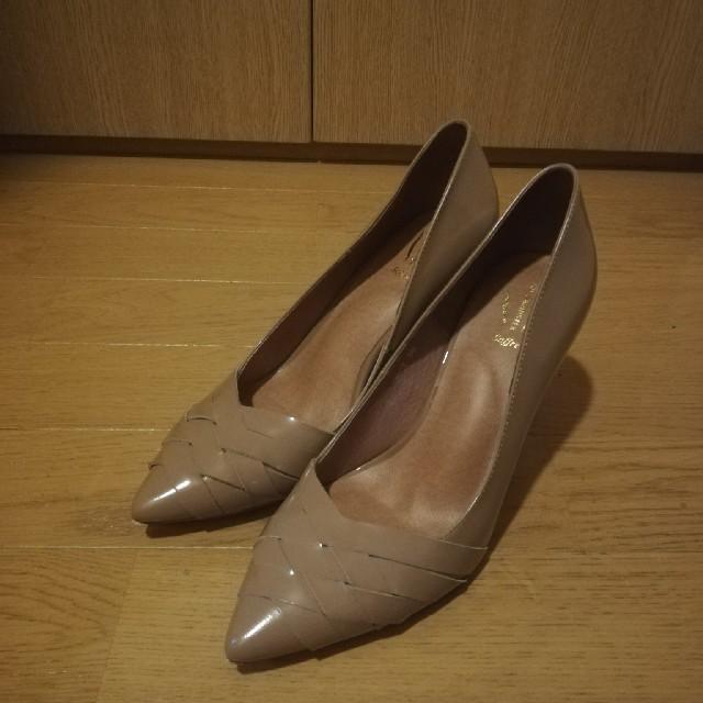 AU BANNISTER(オゥバニスター)のAU BANNISTER 36 ベージュパンプス レディースの靴/シューズ(ハイヒール/パンプス)の商品写真