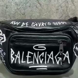 バレンシアガ(Balenciaga)のBALENCIAGA バレンシアガ  グラフティ ボディバッグ ベルトパック 黒(ボディーバッグ)