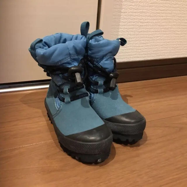 DIESEL(ディーゼル)のDIESEL スノーブーツ キッズ/ベビー/マタニティのキッズ靴/シューズ (15cm~)(ブーツ)の商品写真