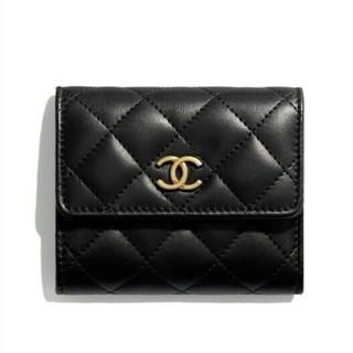 CHANEL - ☆CHANEL☆ラムマト×ゴールド金具 CC 三つ折り財布/黒色