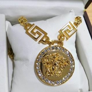 ヴェルサーチ(VERSACE)のオススメ! Versaceヴェルサーチ 人気ネックレス 刻印 男女共用 正規品 (ネックレス)