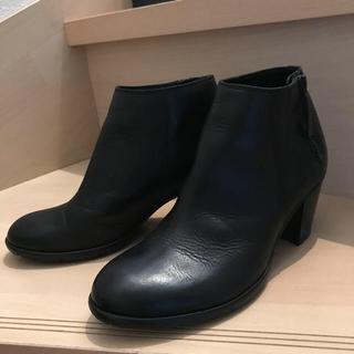 ノートエシロンス(note et silence)のノートエシロンスで購入したcaphのショートブーツです!(ブーツ)