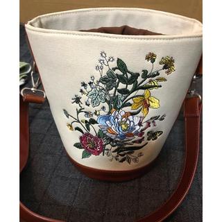アメリヴィンテージ(Ameri VINTAGE)のAmeri vintage 刺繍 カゴバック(かごバッグ/ストローバッグ)