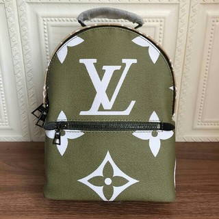 LOUIS VUITTON - 最新モデル ルイヴィトン リュック