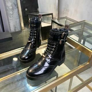 LOUIS VUITTON - ブーツ   黒色