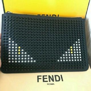フェンディ(FENDI)のFENDIクラッチバッグ(セカンドバッグ/クラッチバッグ)