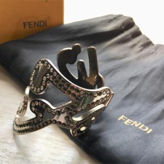 フェンディ(FENDI)のFENDI  ラインストーンロゴバングル ブレス フェンディ(ブレスレット/バングル)