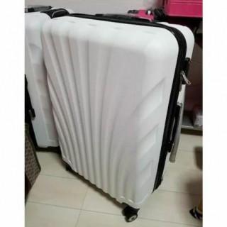 送料無料!アウトレット スーツケース新品 キャリーケース Mサイズ ホワイト