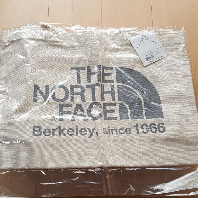 THE NORTH FACE(ザノースフェイス)の新品!ノースフェイス オーガニックトートバッグ メンズのバッグ(トートバッグ)の商品写真