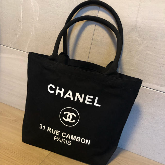 CHANEL(シャネル)のキャンバストート マザーズバッグ  通学バッグ トートバッグ A4収納 大容量 レディースのバッグ(トートバッグ)の商品写真
