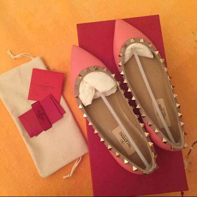 VALENTINO(ヴァレンティノ)の◎再値下げ◎ 新品 レアカラー☆ VALENTINO フラットシューズ レディースの靴/シューズ(ハイヒール/パンプス)の商品写真