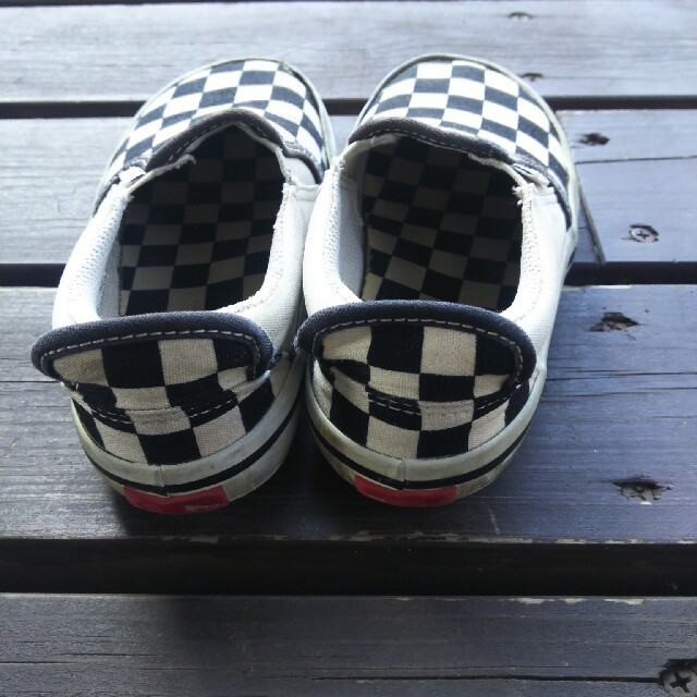 VANS(ヴァンズ)のVANS  スリッポン  送料無料 キッズ/ベビー/マタニティのキッズ靴/シューズ (15cm~)(スリッポン)の商品写真