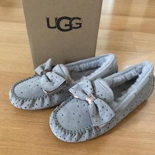 アグ(UGG)の新品 UGG モカシン  26.0 UGG リボン(スリッポン/モカシン)