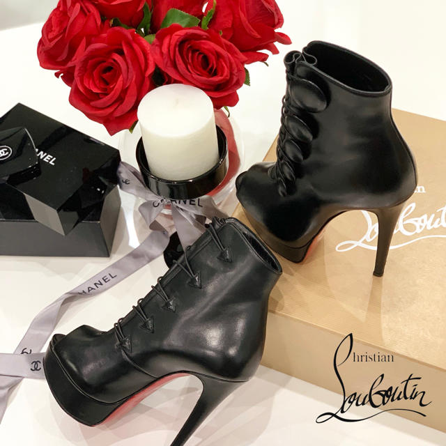 Christian Louboutin(クリスチャンルブタン)の1038 クリスチャンルブタン ショートブーツ レディースの靴/シューズ(ブーツ)の商品写真