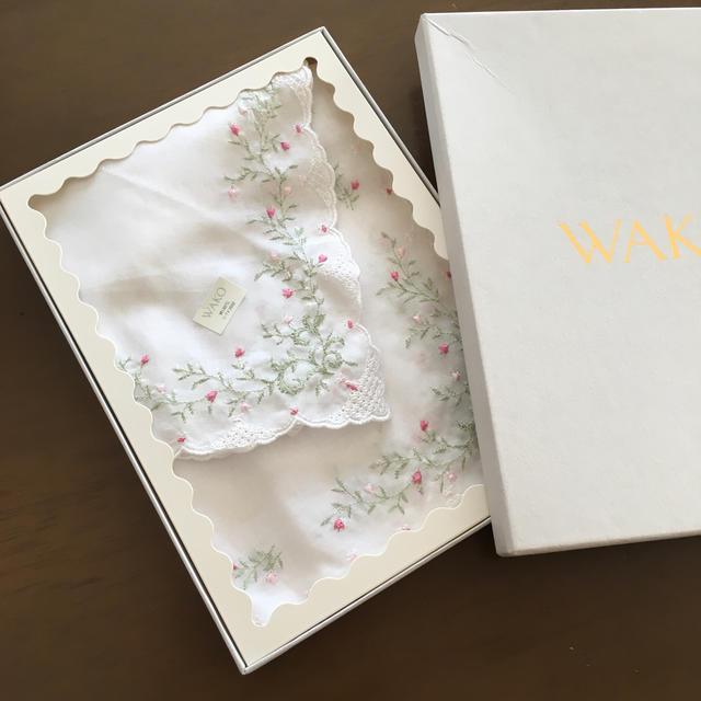 WAKO  大判刺繍ハンカチ 銀座和光ハンカチ レディースのファッション小物(ハンカチ)の商品写真